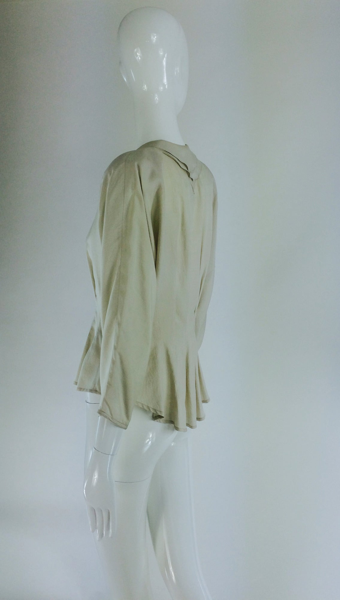 Jean Palant London bone textured silk draped back blouse For Sale 1