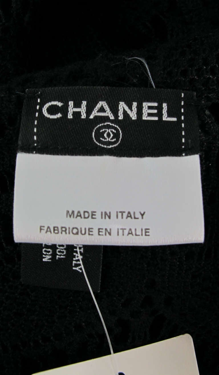 04A Chanel black lacy wool sweater For Sale 5