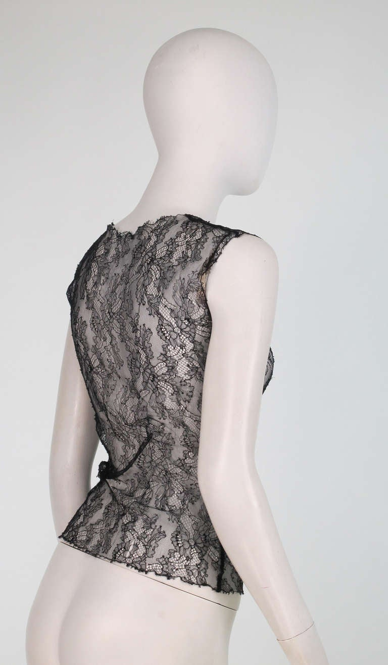 Gray 04A Chanel black lace sleeveless top For Sale