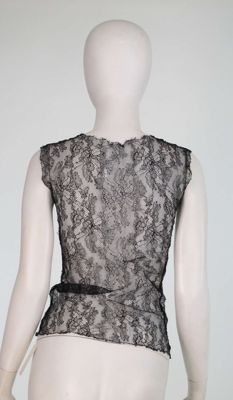 04A Chanel black lace sleeveless top In Excellent Condition For Sale In West Palm Beach, FL