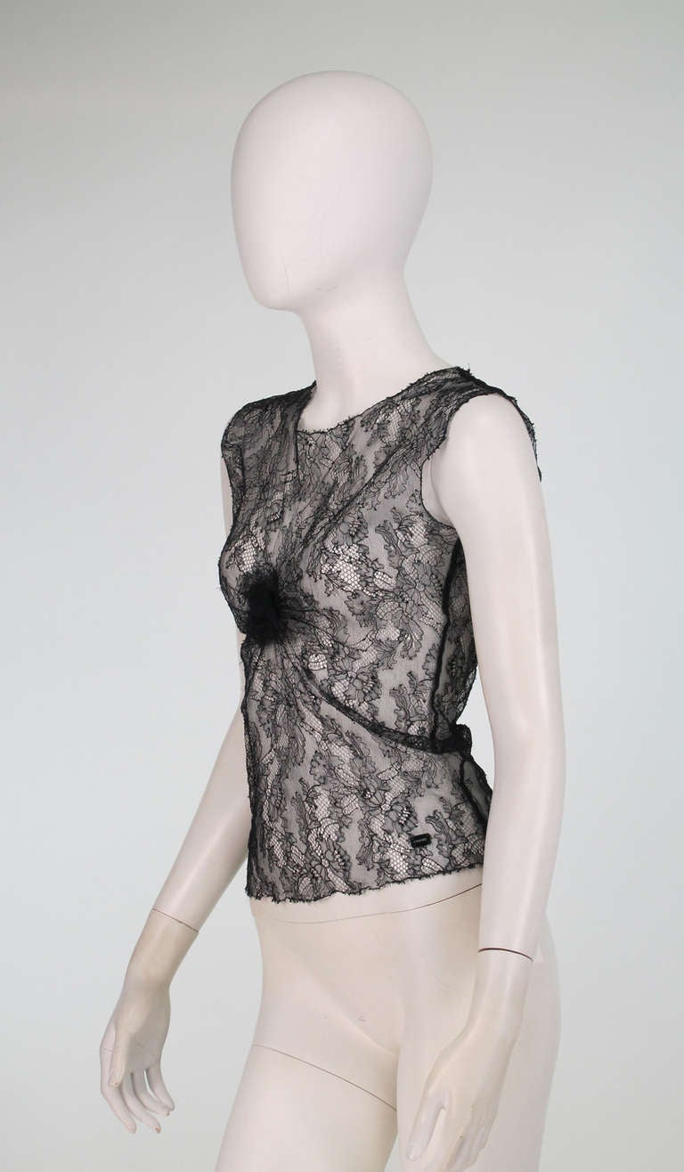 04A Chanel black lace sleeveless top For Sale 1