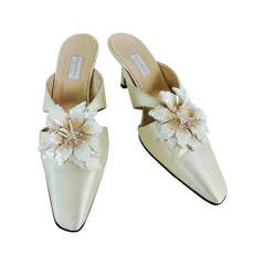 Vera Wang champagne silk sequin flower wedding shoes