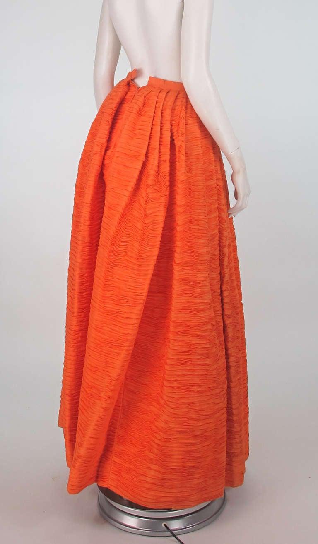 1950s Sybil Connolly tangerine pleated linen skirt For Sale 1