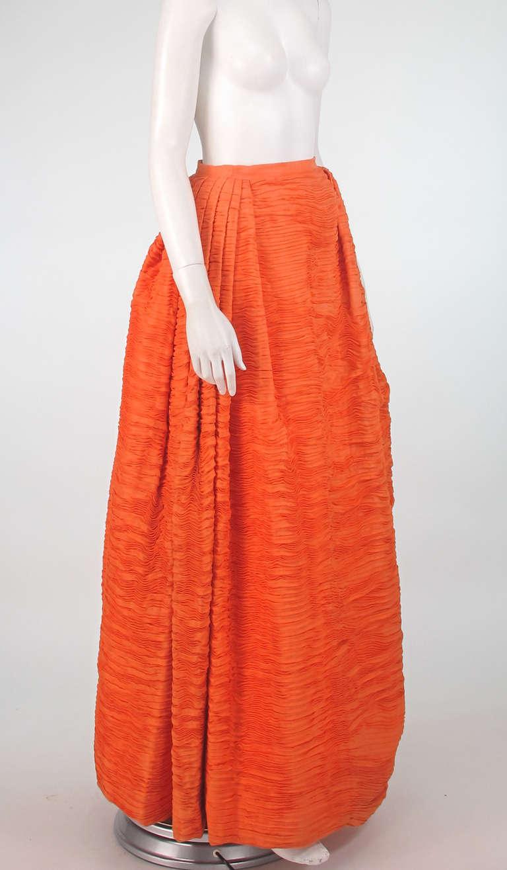 1950s Sybil Connolly tangerine pleated linen skirt For Sale 2