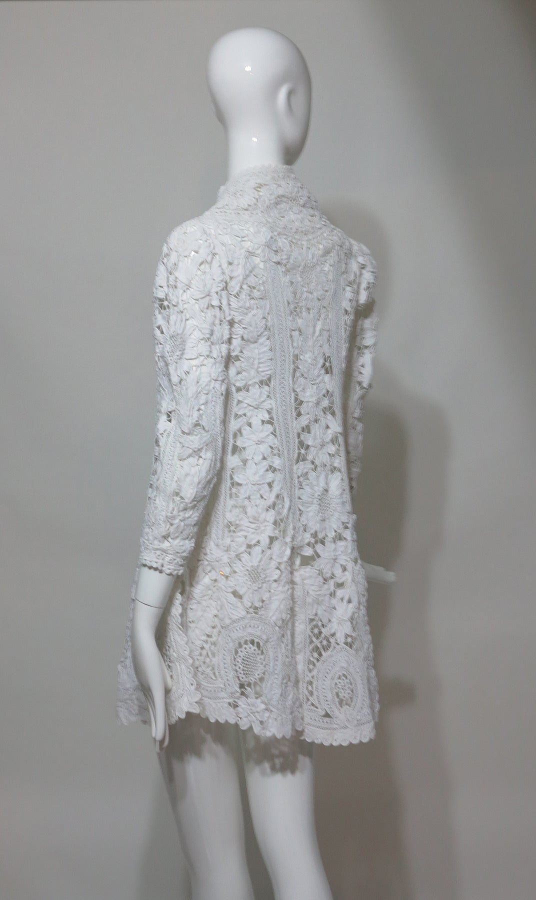 Battenburg white tape lace coat handmade Victorian In Excellent Condition For Sale In West Palm Beach, FL