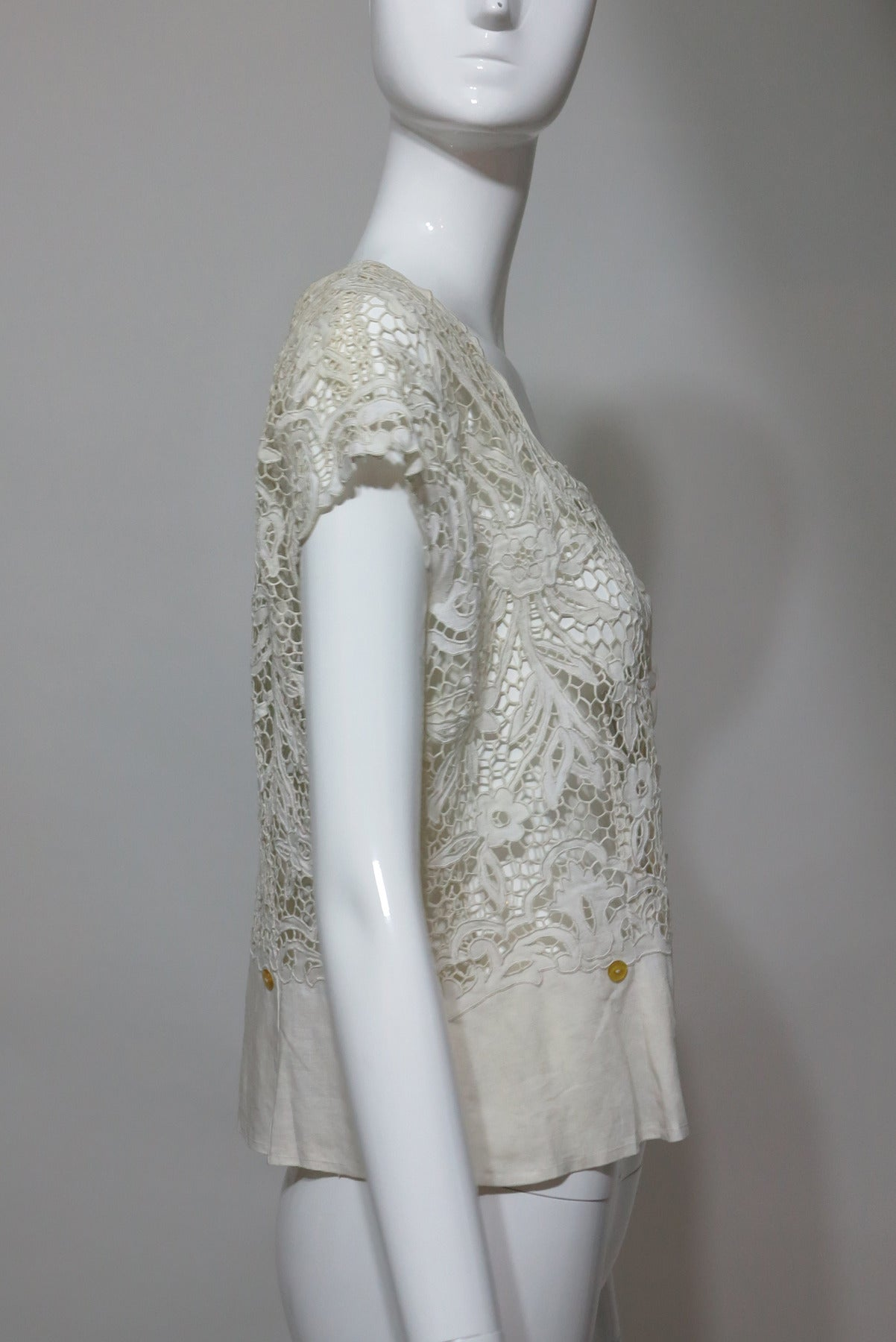 Madeira handmade cut work lace embroidered blouse in off white 1950s 3