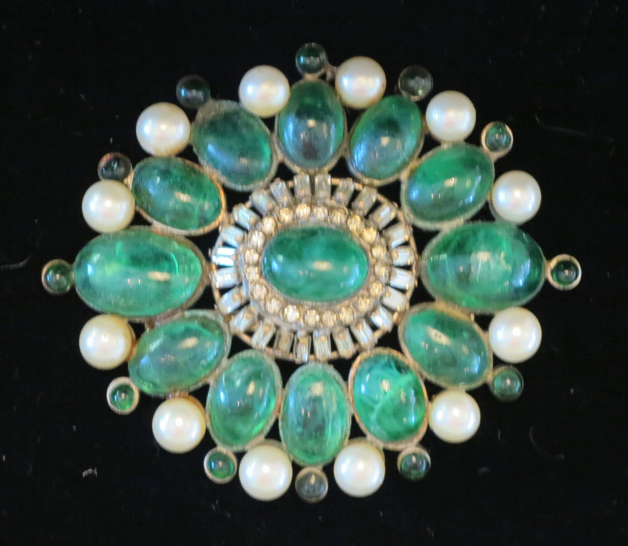 Chanel rare early signed large Gripoix emerald brooch 1950s 10