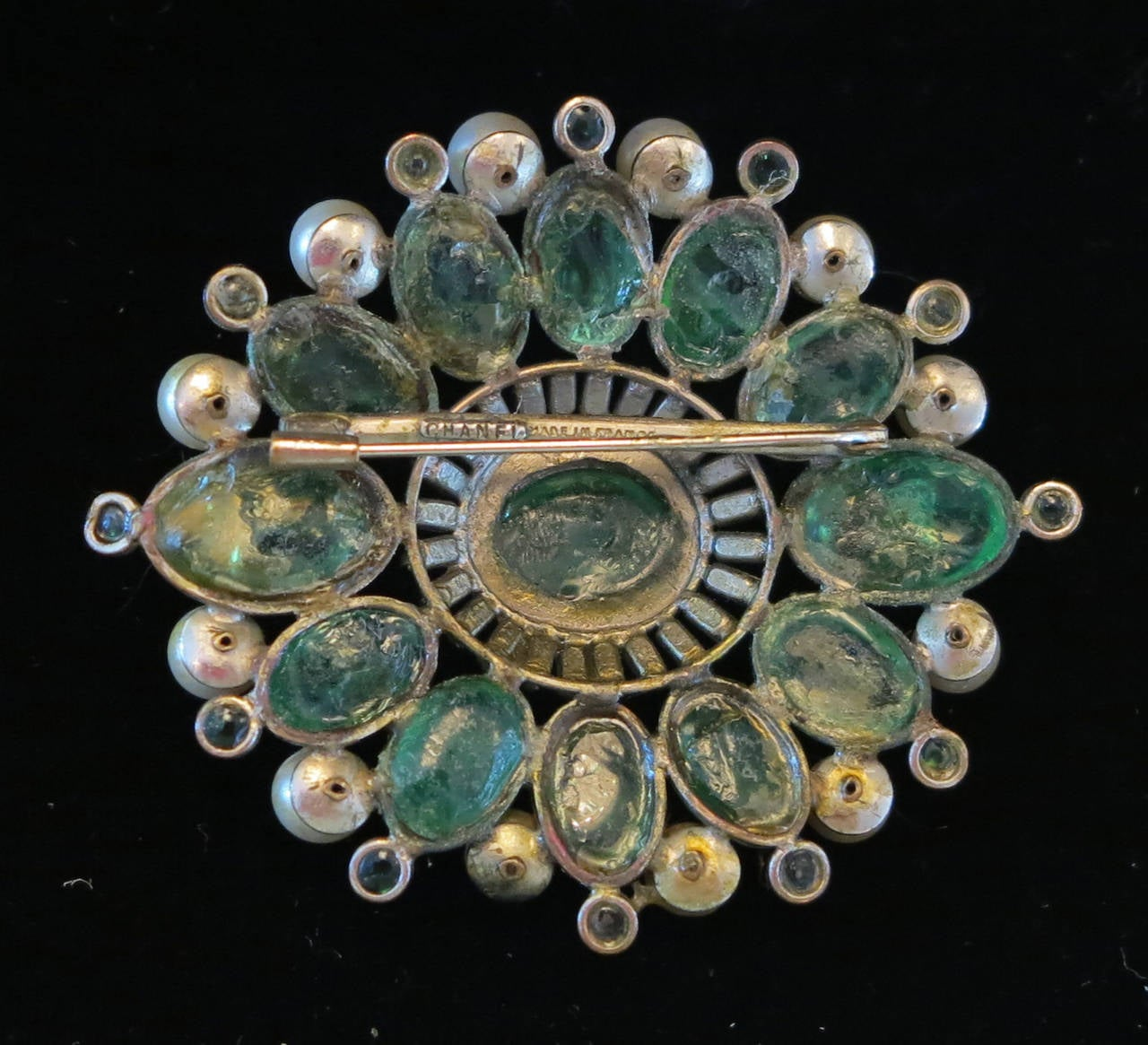 Chanel rare early signed large Gripoix emerald brooch 1950s 4