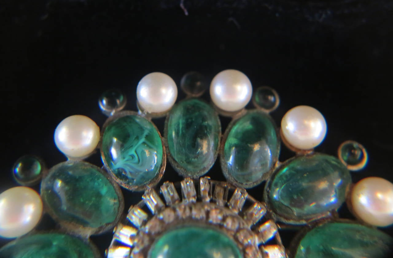 Chanel rare early signed large Gripoix emerald brooch 1950s 8
