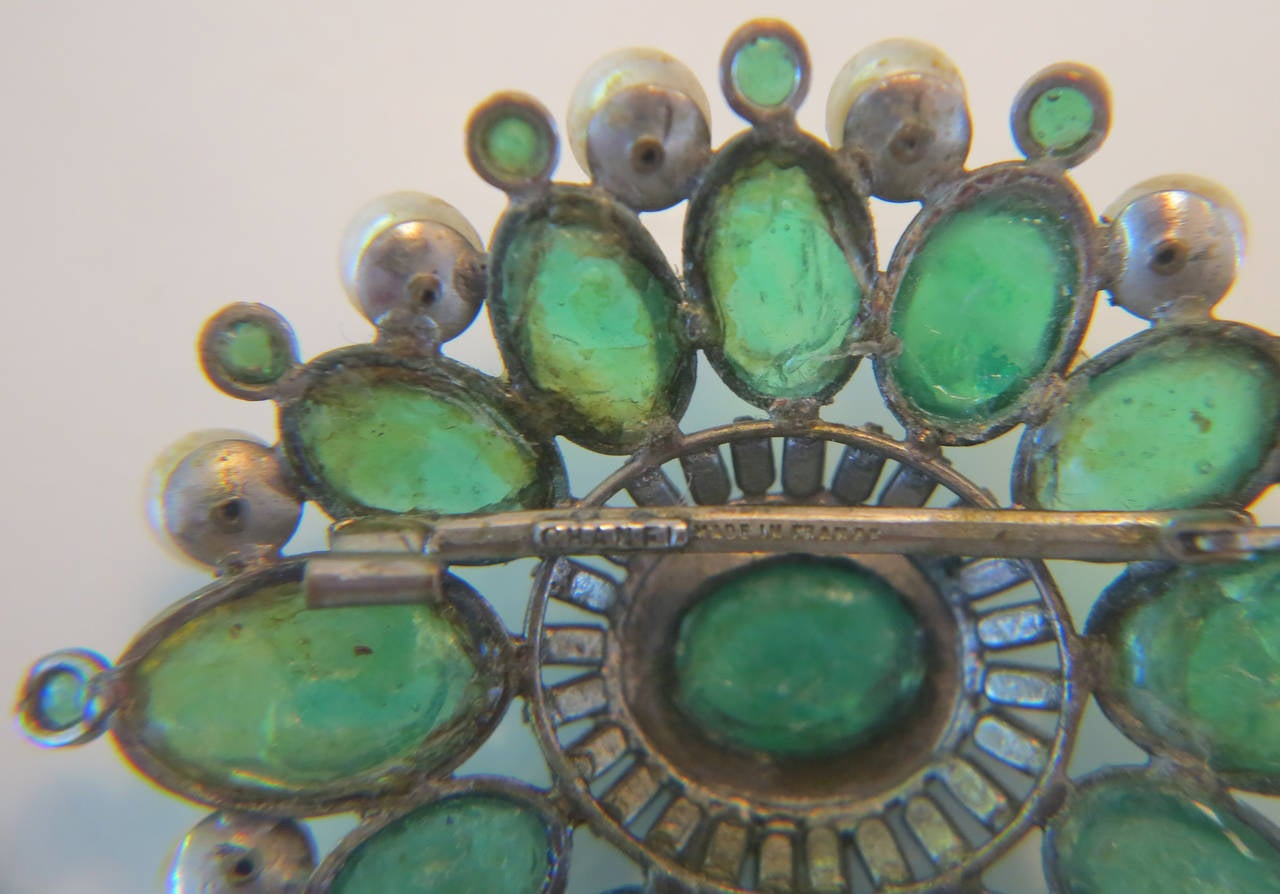 Chanel rare early signed large Gripoix emerald brooch 1950s 7