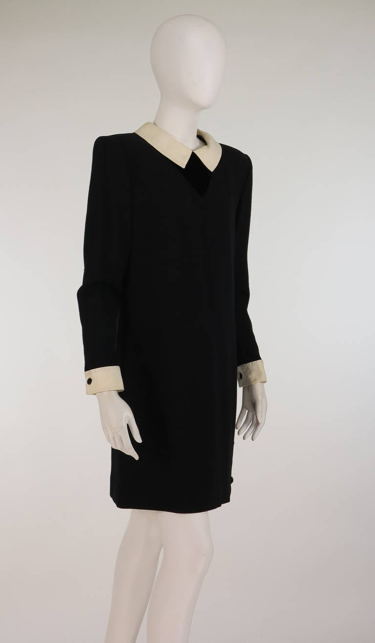 1980s Valentino black wool crepe collar & cuff dress In Excellent Condition For Sale In West Palm Beach, FL