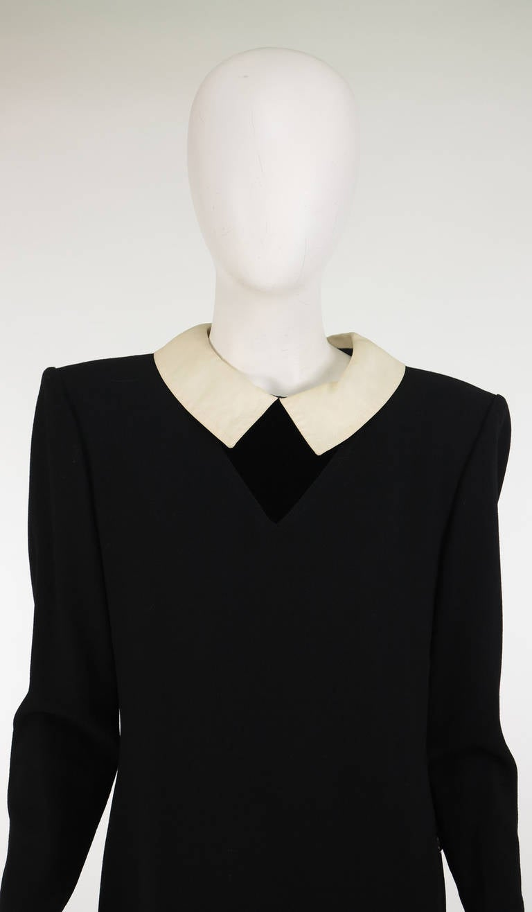 1980s Valentino black wool crepe collar & cuff dress For Sale 5