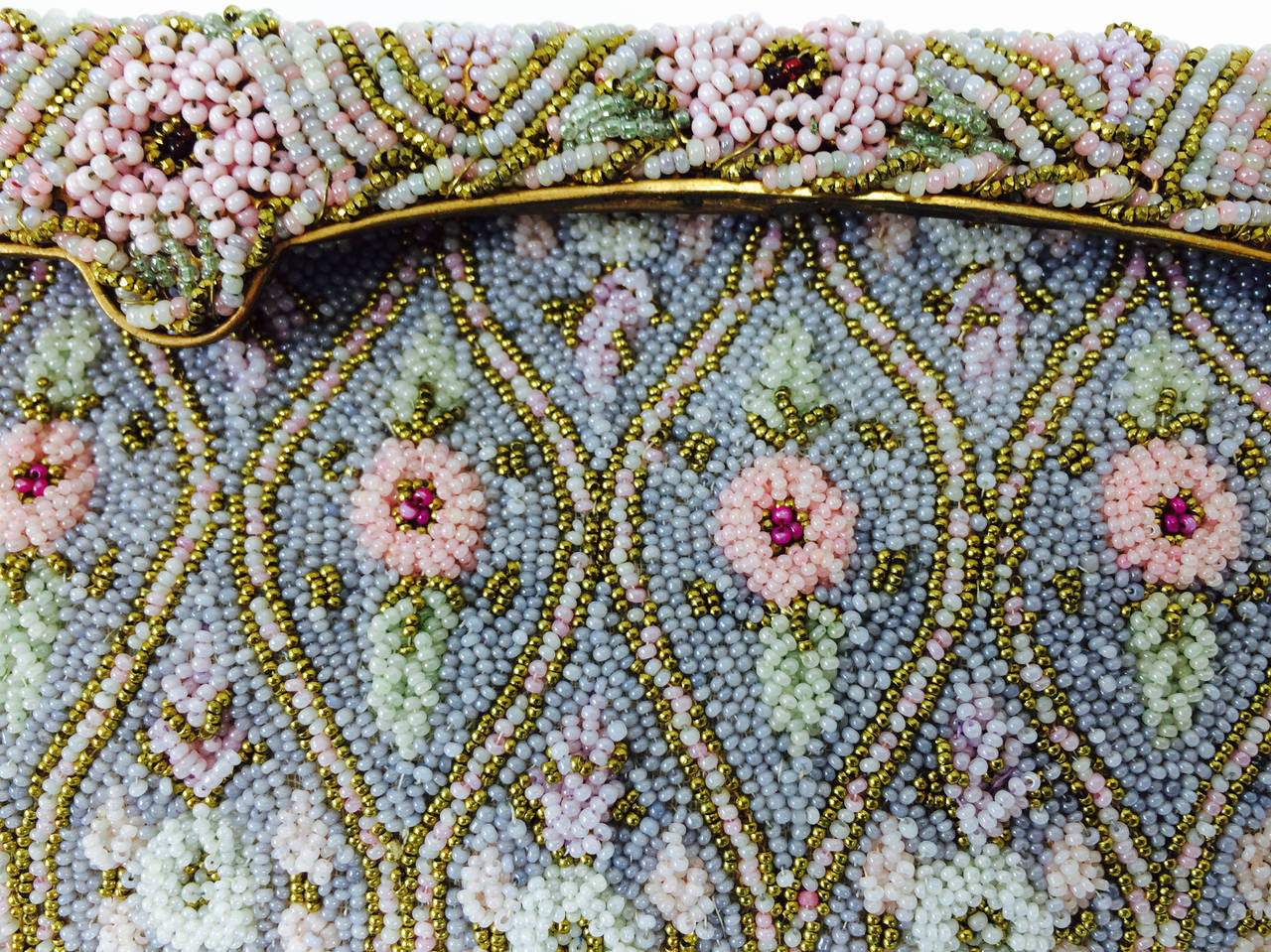 Pastel caviar beaded floral design evening bag made in France 1950s In Excellent Condition For Sale In West Palm Beach, FL