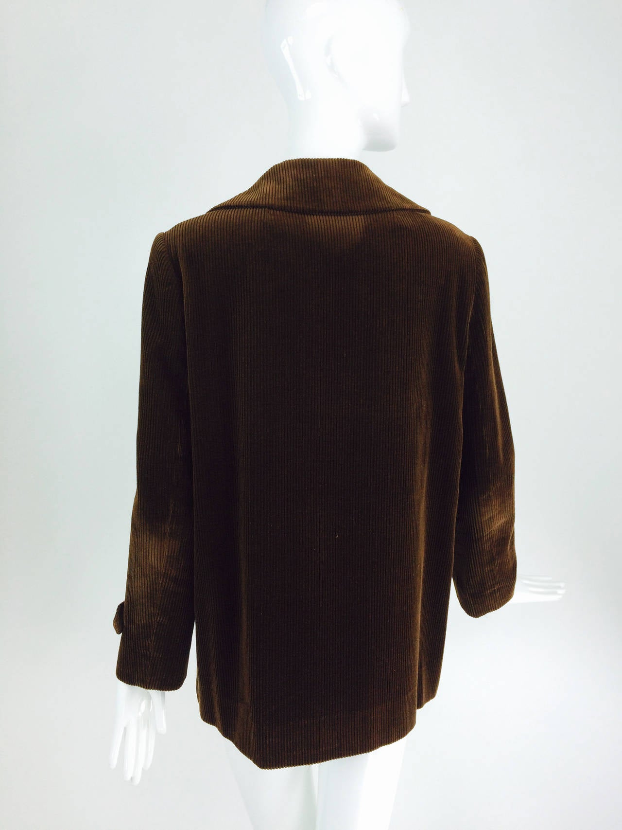 Bill Blass chocolate brown corduroy country jacket early 1970s In Excellent Condition For Sale In West Palm Beach, FL