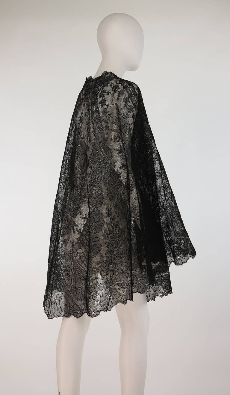 1850s Chanitlly bobbin lace evening cape 4