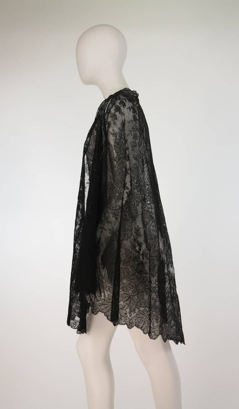 1850s Chanitlly Bobbin Lace Evening Cape At 1stdibs