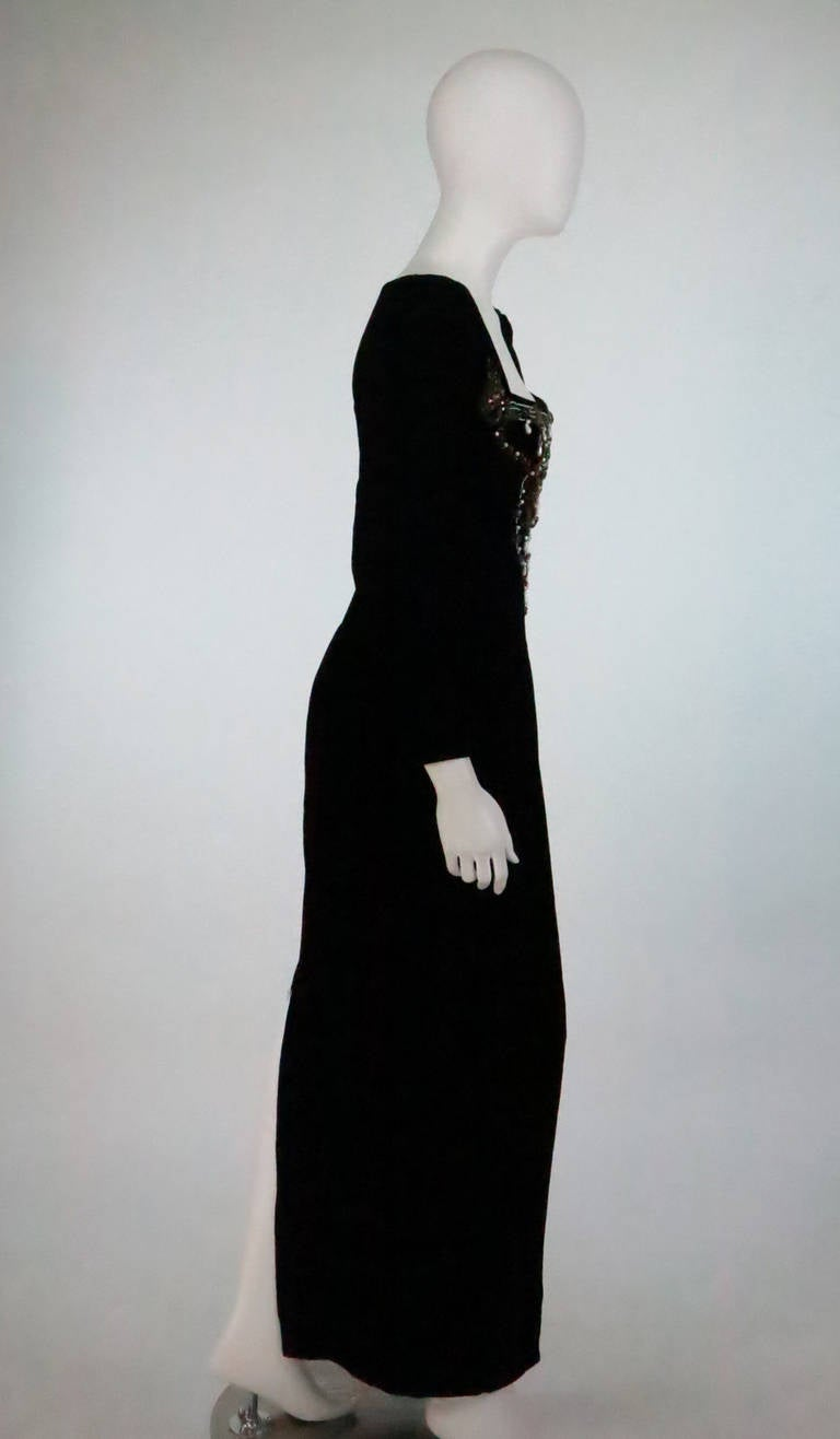 1990s Oscar de la Renta bejeweled black velvet evening gown 4