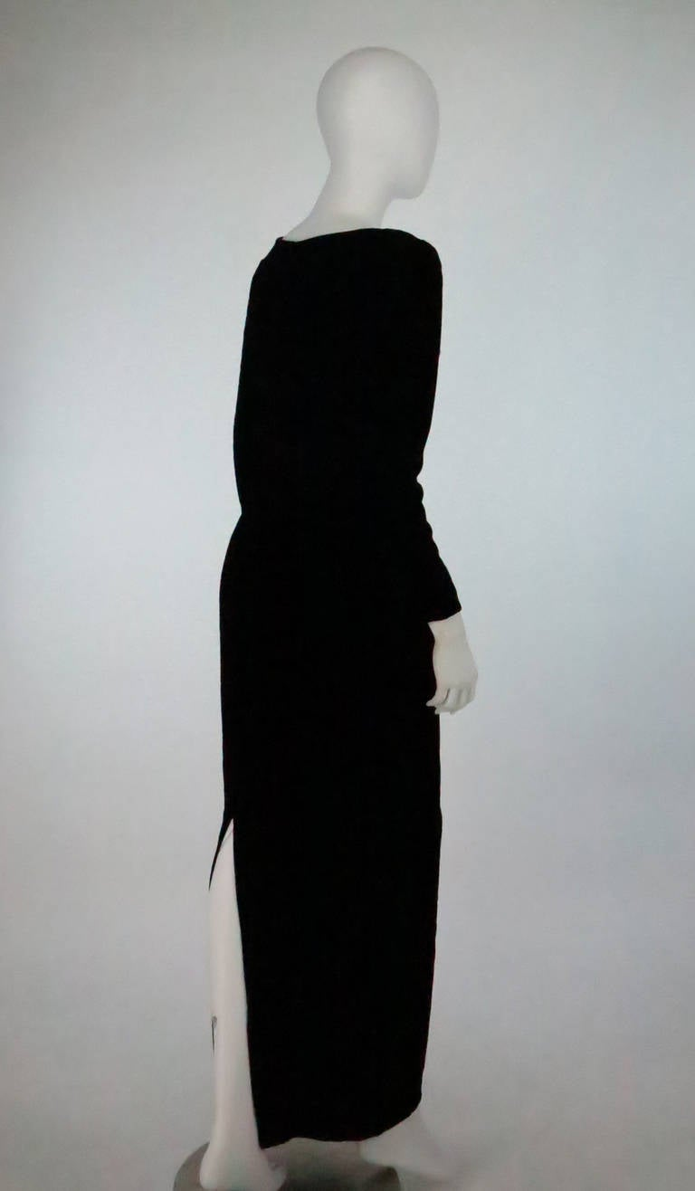 1990s Oscar de la Renta bejeweled black velvet evening gown 5