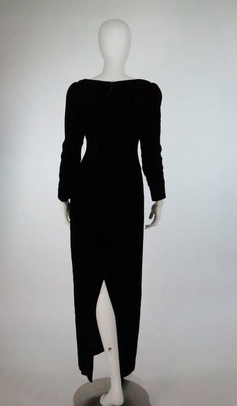 1990s Oscar de la Renta bejeweled black velvet evening gown 6
