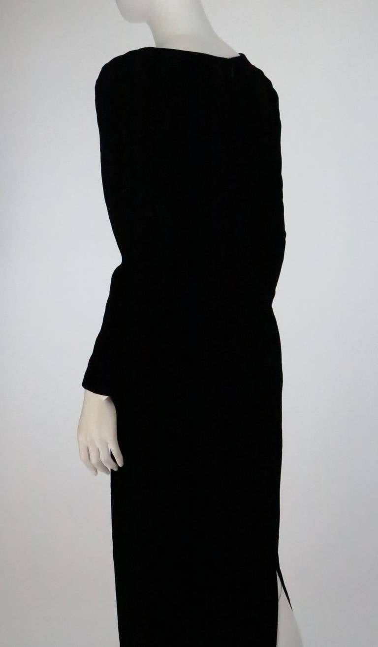 1990s Oscar de la Renta bejeweled black velvet evening gown 7