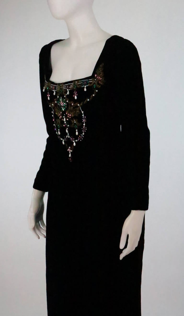 1990s Oscar de la Renta bejeweled black velvet evening gown 8