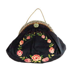 1940s Floral embroidered black silk beaded frame evening bag