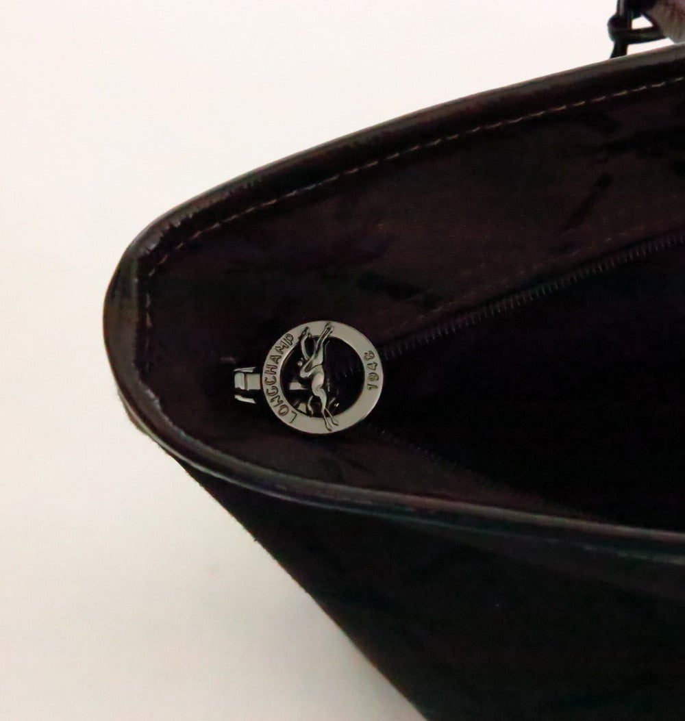 2cdbb30e62 Longchamp tote bag in chocolate brown patent leatehr & logo fabric For Sale  3