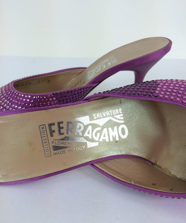 Ferragamo hot pink satin & Swarovski crystal high heeled mules 7 In Excellent Condition For Sale In West Palm Beach, FL