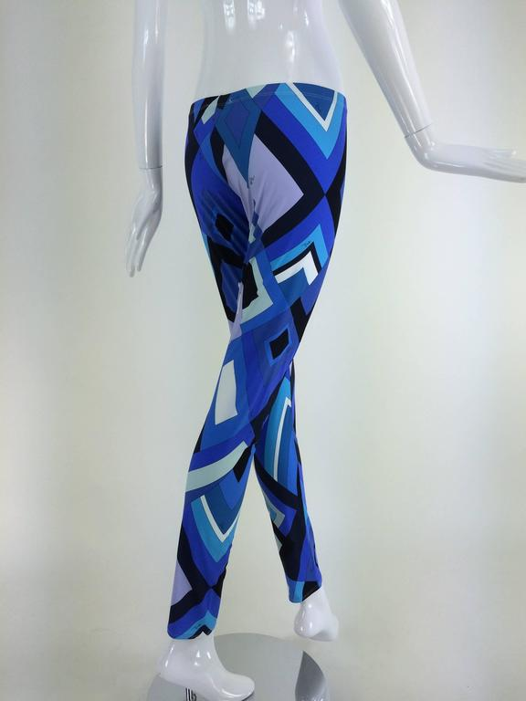 Pucci geometric leggings in shades of blue 5
