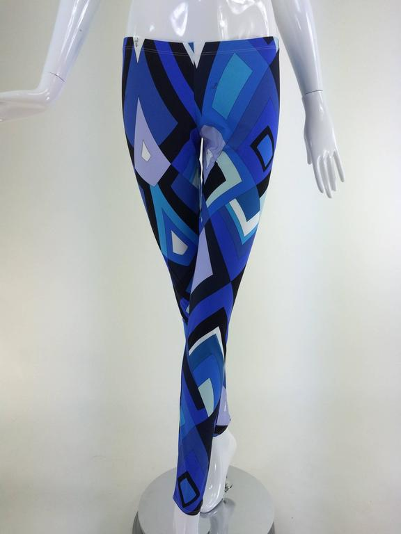 Pucci geometric leggings in shades of blue 10