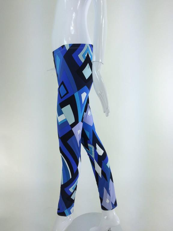 Pucci geometric leggings in shades of blue 8