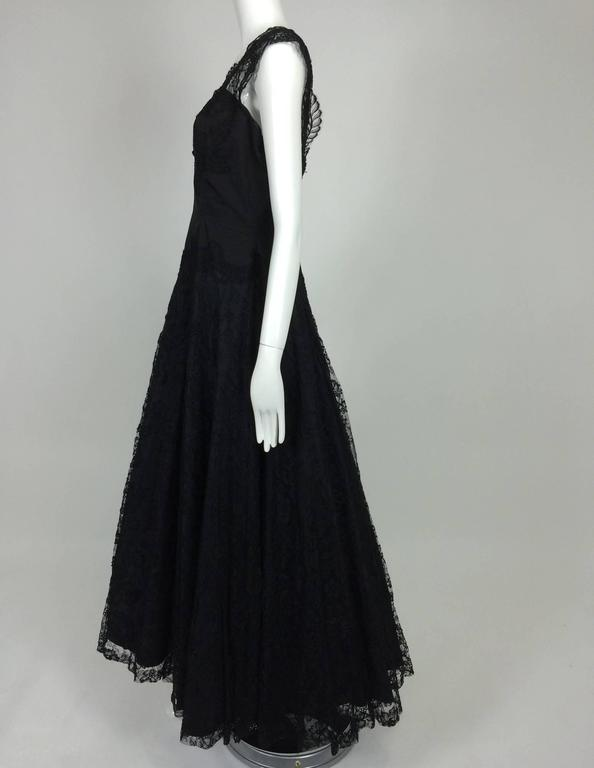 1950s Palm Beach Estate handmade black silk taffeta & lace evening gown  In Excellent Condition For Sale In West Palm Beach, FL