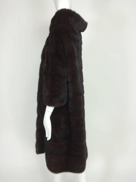 Glossy dark mink portrait collar fur coat early 1960s 5