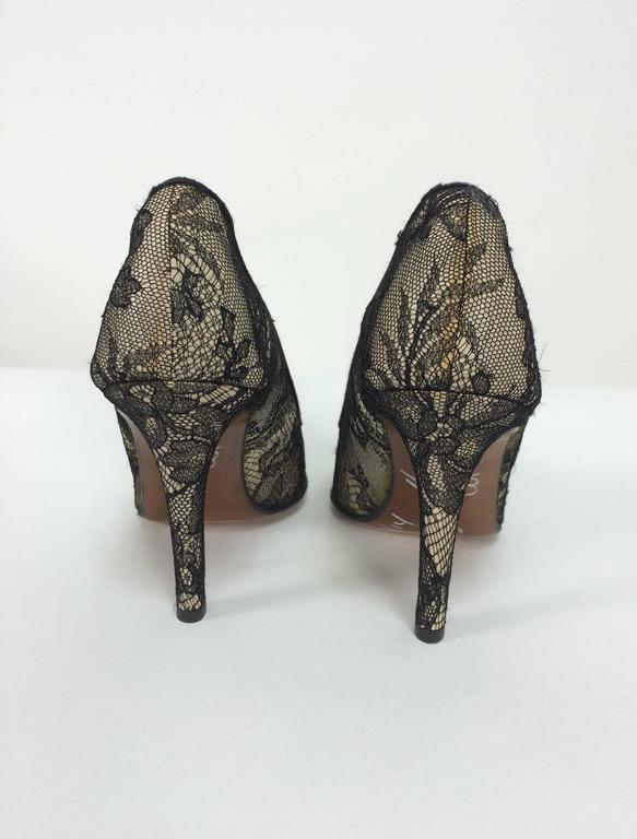 Women's Christian Dior Black Chantilly Lace high heeled pumps 36 1/2
