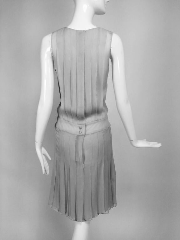 Chanel dove grey silk chiffon pleated afternoon dress 2006 For Sale 2