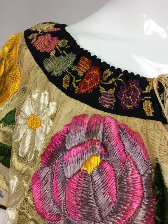 Vintage Mexican silk needle point & embroidered peasant blouse 1940s  In Excellent Condition For Sale In West Palm Beach, FL