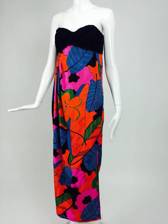 Emanuel Ungaro Parallele hot tropical print strapless maxi dress 1970s For Sale 4
