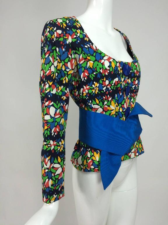 Yves Saint Laurent floral print scoop neck jacket & original belt early 80s For Sale 2
