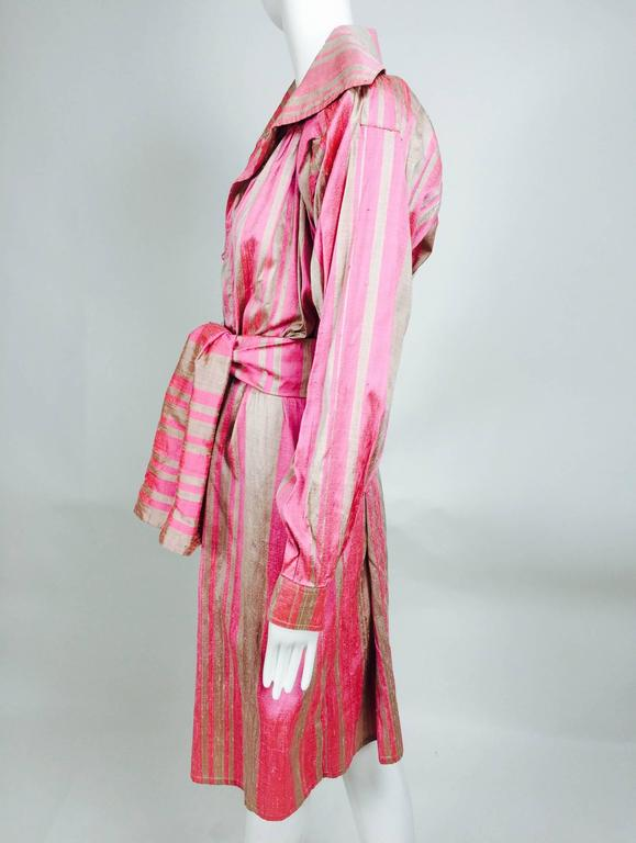 Brown Vintage raw silk pink/bone shift dress with wide waist wrap 1970s For Sale