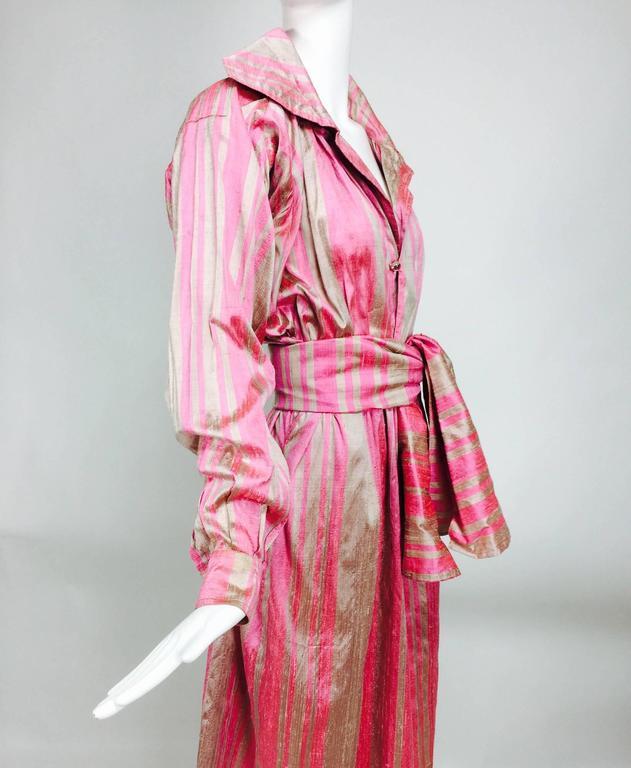 Vintage raw silk pink/bone shift dress with wide waist wrap 1970s For Sale 2