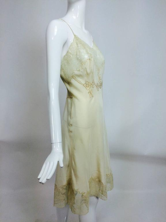 Beige vintage French hand made embroidered champagne silk & lace slip 1950s For Sale