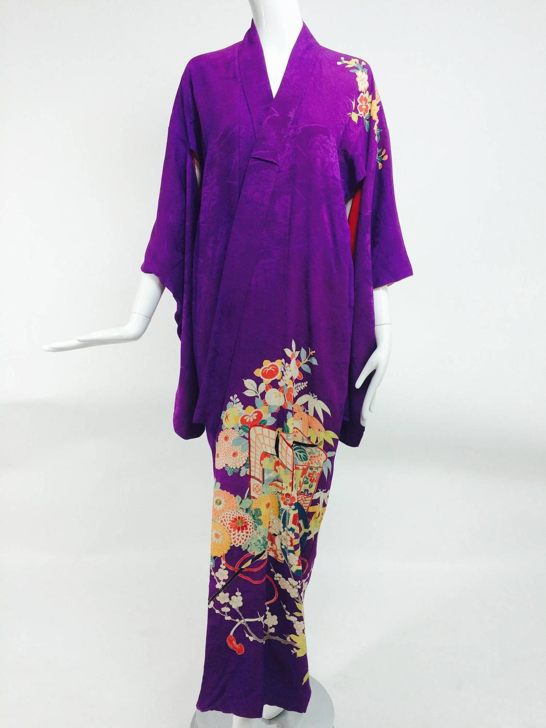 Pre WWII embroidered figured purple silk crepe floral Japanese kimono 1930s For Sale at 1stdibs