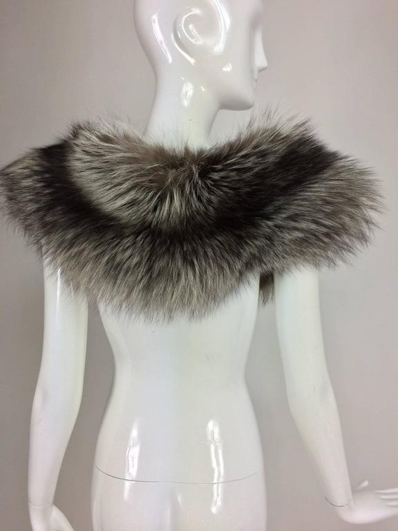 Silver fox fur draped shoulder wrap 1960s  OS 8