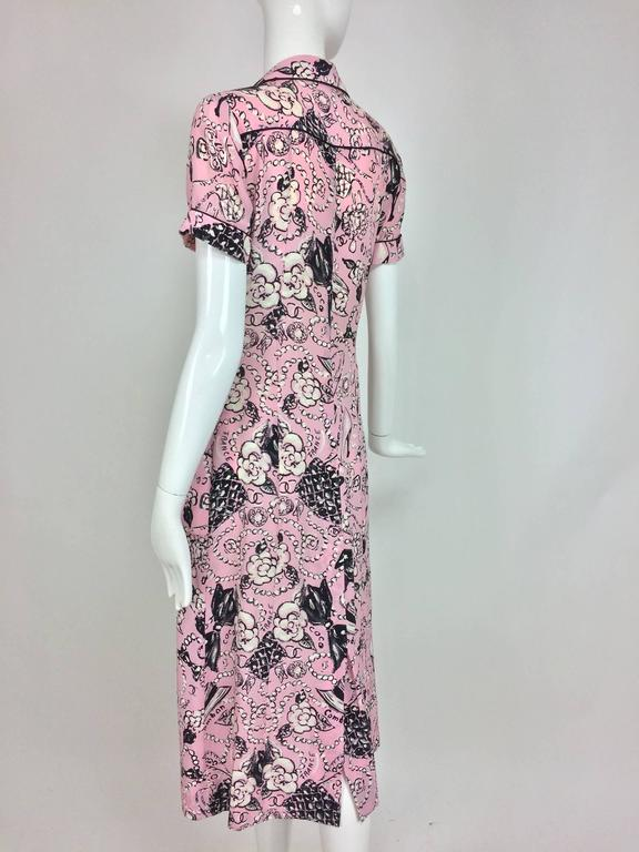 Chanel Claudia Schiffer runway worn rare Coco print dress pink silk 1993 For Sale 3