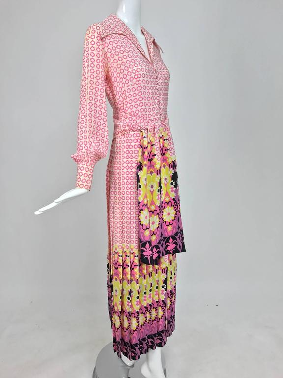 Vintage Martha Boutique silk border print pleated maxi dress 1970s In Excellent Condition For Sale In West Palm Beach, FL