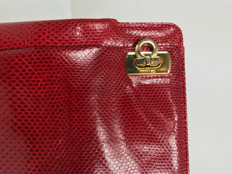 Vintage Ferragamo red lizard clutch cross body handbag 1980s In Excellent Condition For Sale In West Palm Beach, FL