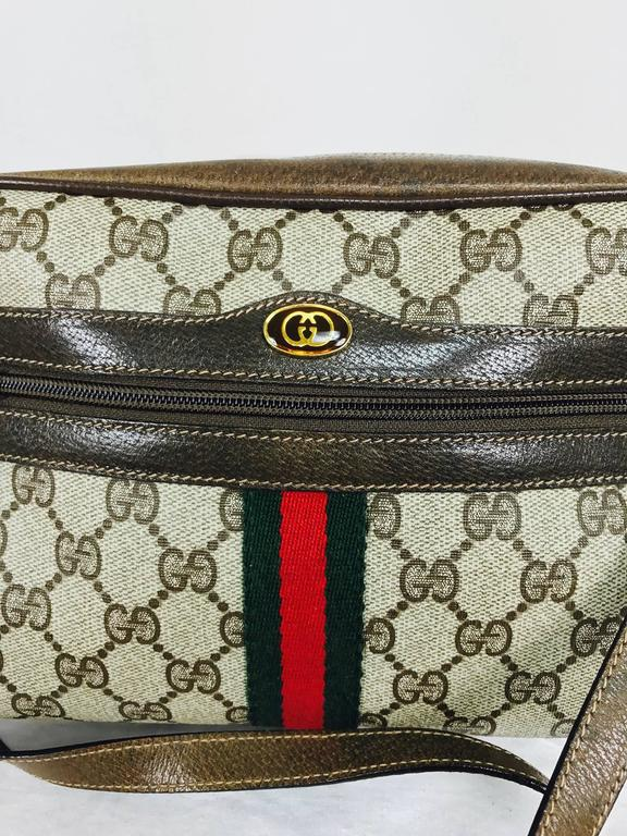 Vintage Gucci Accessory Collection Cross Body Bag Green