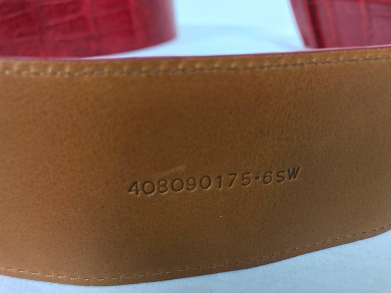 Women's or Men's Ralph Lauren red alligator belt with gold horseshoe buckle For Sale