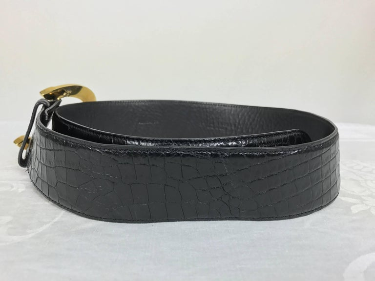 Black Ralph Lauren glazed black alligator belt with heavy gold horseshoe buckle For Sale