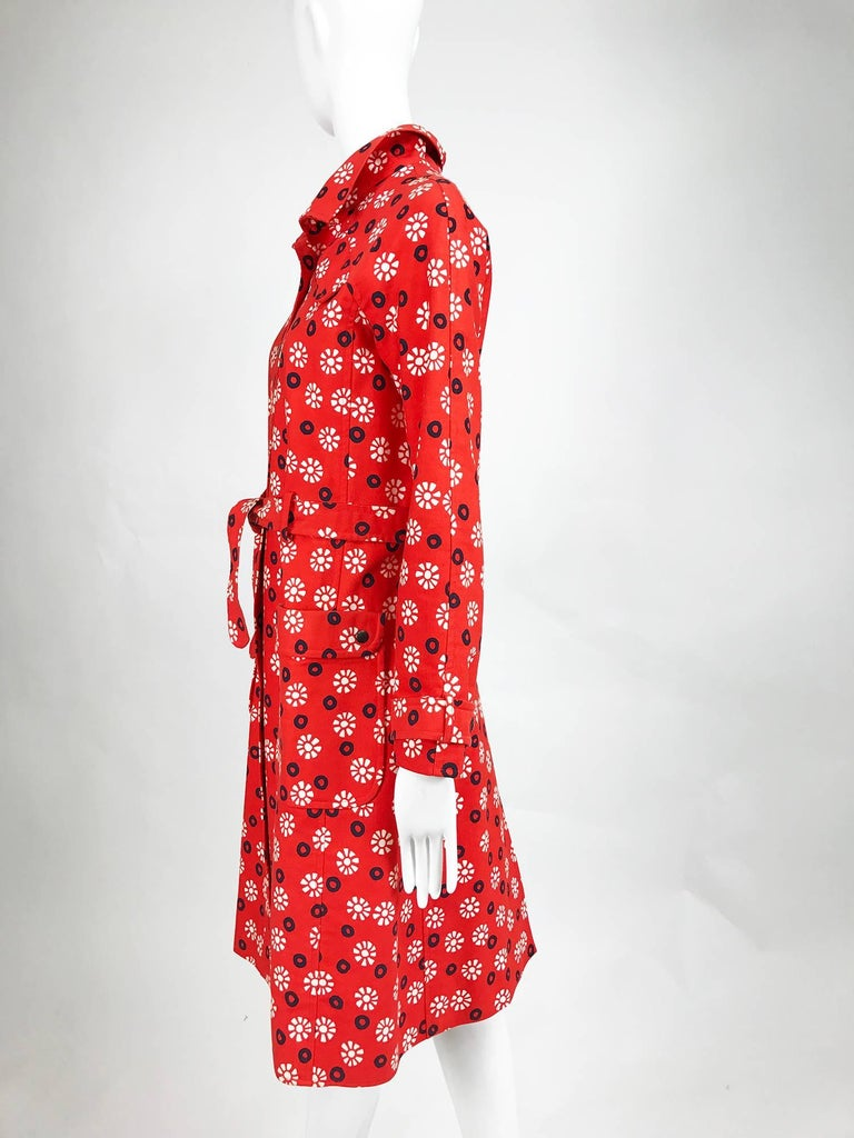 Red Vintage Emanuel Ungaro printed cotton canvas trench coat 1960s For Sale